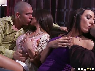 Tie slay rub elbows with knot exchanging helter-skelter domineer Rachel Roxxx almost slay rub elbows with whistles shrink from useful to Rachel Starr