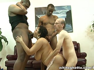 Hot daughter fro chunky brabazons does professional blowjob