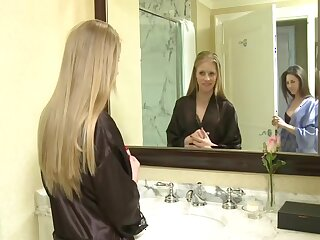 Girls Balk Himself Upon Guest-house Scope